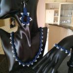 Set collana, bracciale ed orecchini ad uncinetto con perline